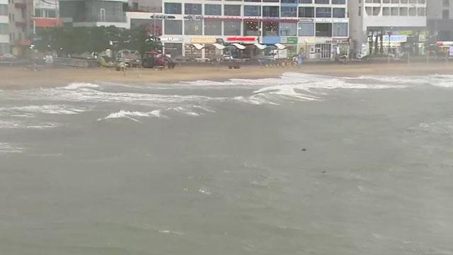 태풍 '찬투' 오후 4시쯤 부산 최근접…낮 동안 강한 비바람