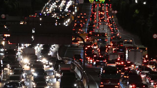 연휴 이틀째 고속도로 정체 이어져…이 시각 교통 상황