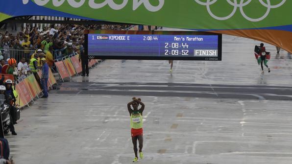 'X표' 때문에 마라톤 은메달 박탈 위기
