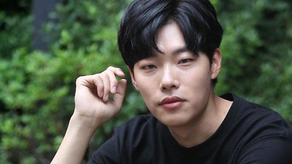배우 류준열, 환경보호 캠페인 동참…'작은 실천 중요'
