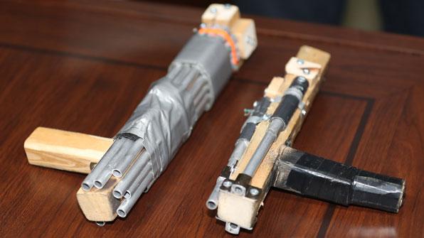 경찰, '총격 테러' 사제 총기 공개