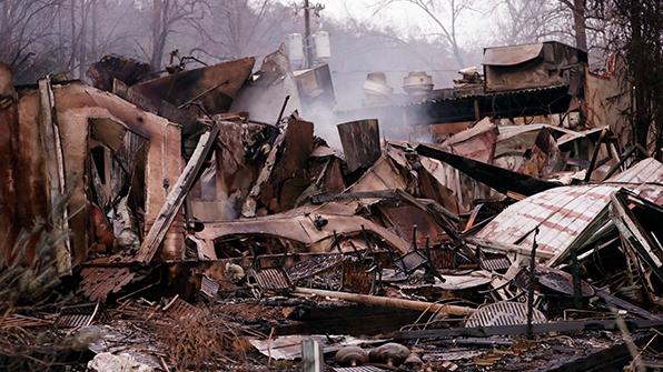 미 동남부, 산불에 토네이도까지…12명 사망