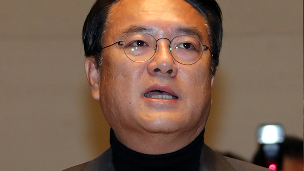 """정진석 """"박 대통령 4월 사퇴·6월 대선 당론 채택 해야"""""""