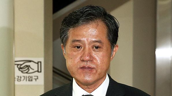 '벌금 미납 노역' 전두환 처남, 40억대 세금소송 패소