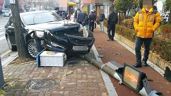 경찰, 교통사고 도주 시도자에 총기 사용 검거