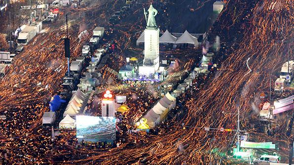 """경찰 """"청와대 주변 행진 일부 금지""""…집회 측 가처분 신청"""