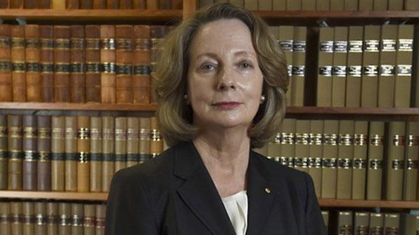 고교 중퇴·로펌 안내원 출신 호주 첫 여성대법원장 탄생
