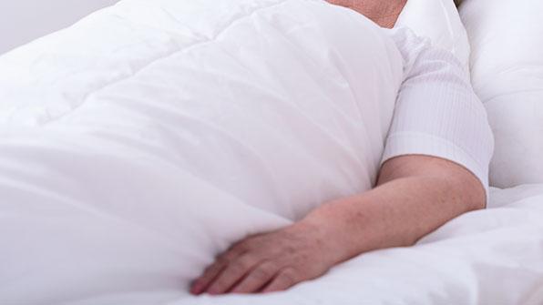 고령자 '침대 낙상' 매년 35% 증가