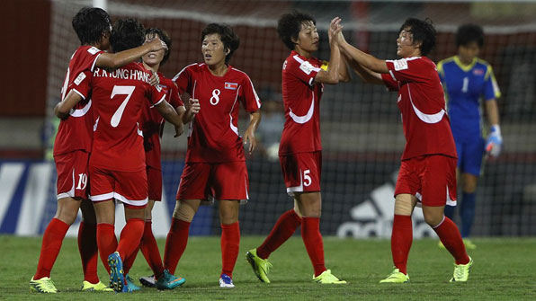 '한국 김치와 북한 과자'