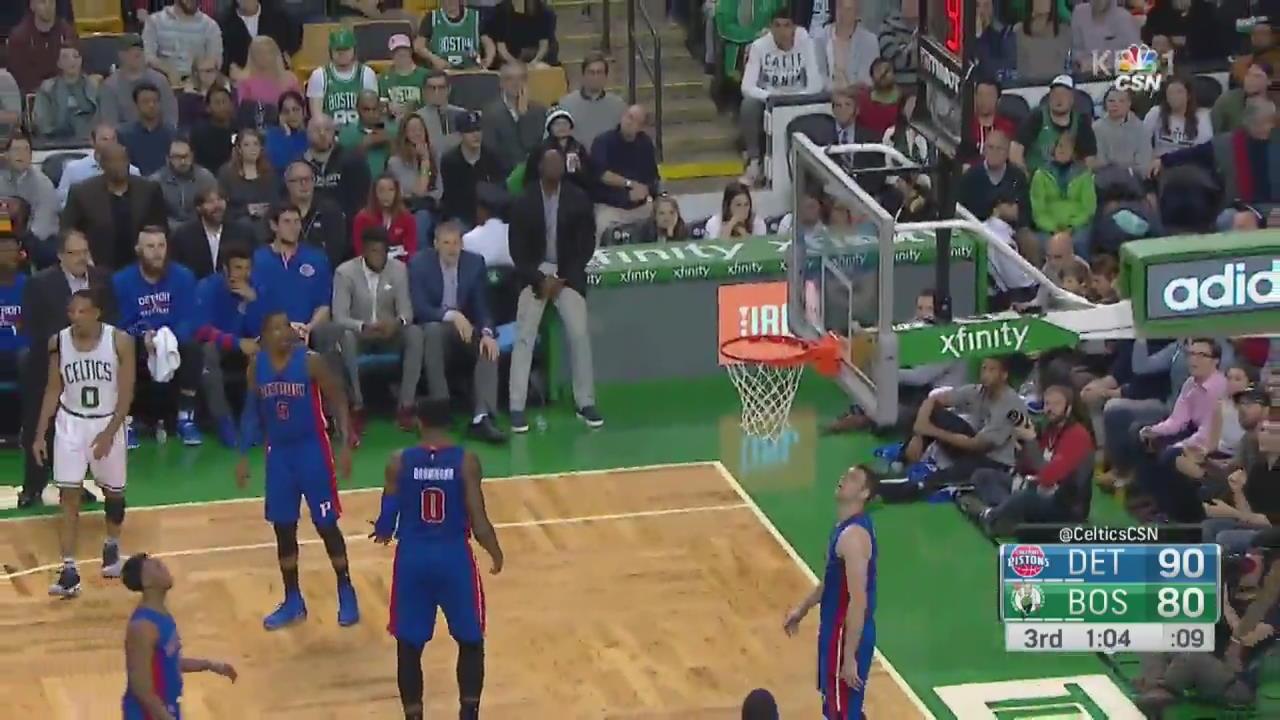 [오늘의 영상] 골대 뒤에서 쏘아올린 '서커스 슛'!