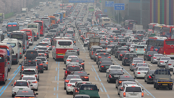 주말 고속도로 교통량 449만대…다소 혼잡