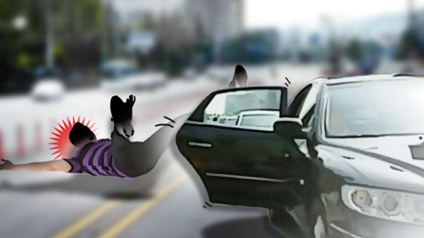 [사건후] 달리는 차에서 뛰어내려 숨졌다면…운전자 처벌은?