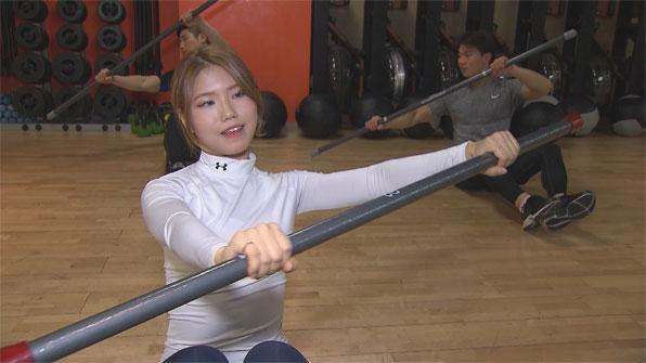 [영상] 화제의 '공놀이 몸개그녀' 더 매력적인 원본 공개