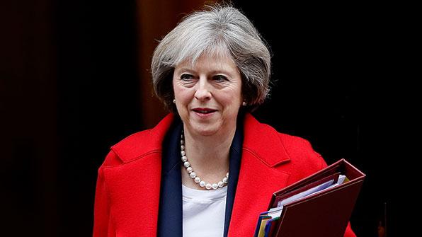 英 총리, '트럼프 X파일' 英정부 연루설 부인