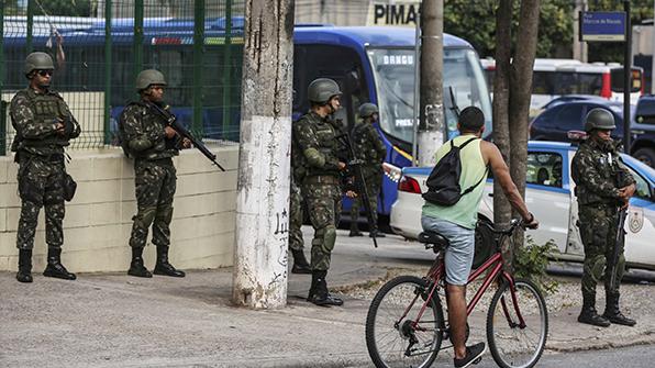 브라질 치안·군인 9천명 배치…총격 사망자 발생