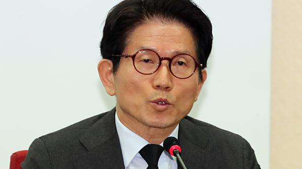 """김문수 """"문재인·안희정, '정경유착' 말할 양심 있나"""""""