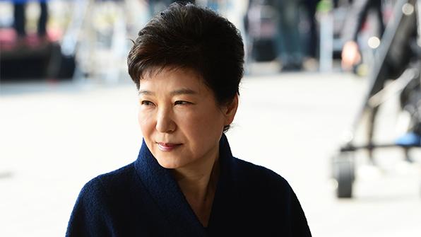 한국당·바른정당 대선 주자들, 박 전 대통령 소환에 '각양각색 반응'