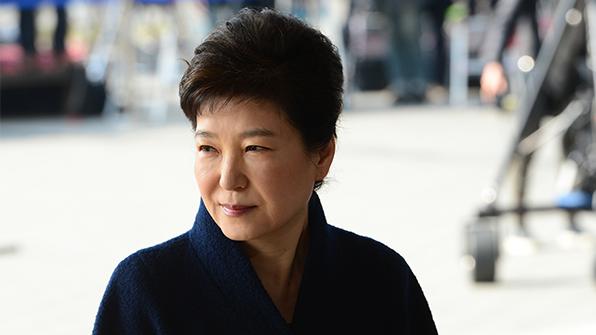 박 전 대통령 저녁 조사 재개…한웅재 부장검사가 계속 조사 진행