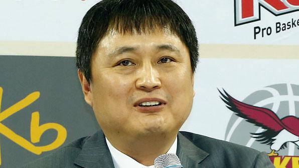 이상범 감독, 동부 신임 사령탑…3년 계약