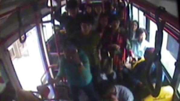 버스서 의식 잃은 5살 아이…기사·승객 응급조치로 의식 찾아