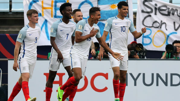 잉글랜드, 아르헨에 3-0 완승…'비디오 판독'이 쐐기
