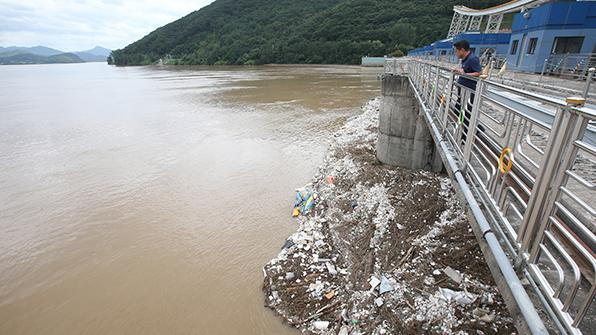 한강 팔당댐∼잠실 수중보 구간 23일까지 쓰레기 수거