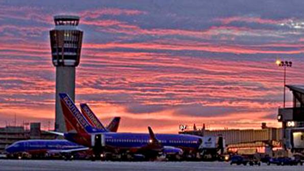 낮 최고 '48도' 美남서부 폭염에 항공편 무더기 취소