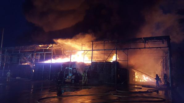 김포 가건물 창고 불…7천여만 원 재산 피해