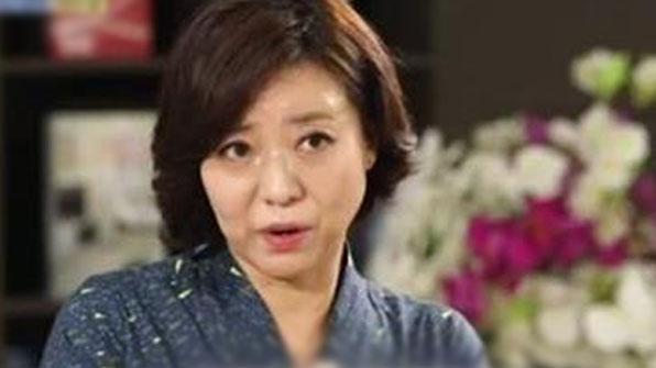 """허수경 """"잇단 결혼실패로 공황장애""""…세번째 남편 공개"""