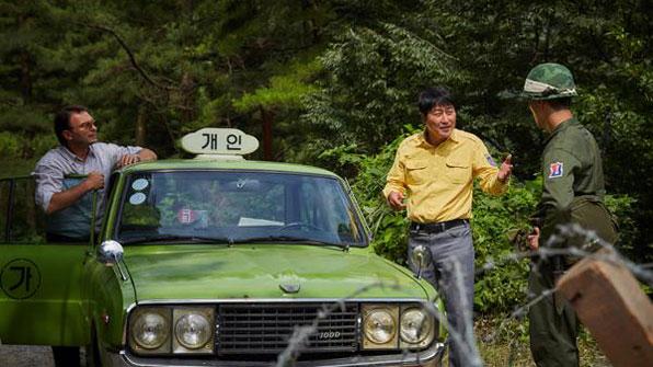 씽씽 달리는 '택시운전사', 700만