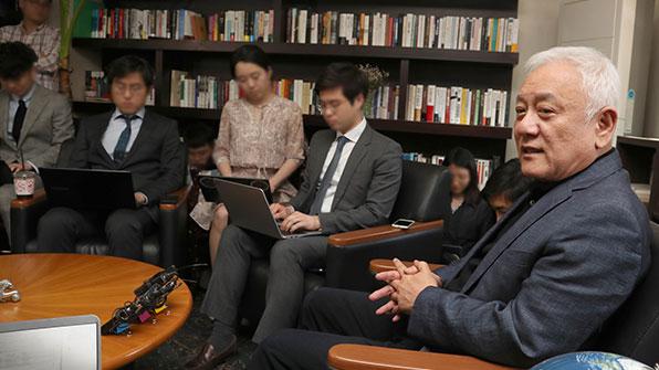 """김한길 측근 김희경 """"국민의당은 조선노동당이 아니다"""" 탈당"""