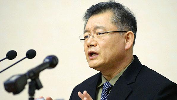 북한서 풀려난 한국계 임현수 목사, 캐나다 귀국