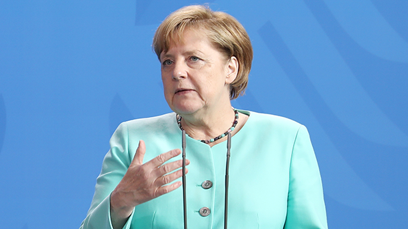 """메르켈, 한반도 긴장에 """"협상으로 풀리도록 모든 것 하고 있어"""""""