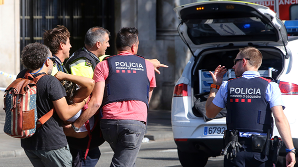 """스페인 """"테러범들, 대규모 폭탄테러 계획했다가 방식 바꿔"""""""