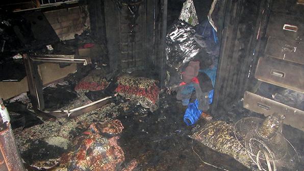 부산서 방화 의심 주택 화재…천 2백만 원 피해