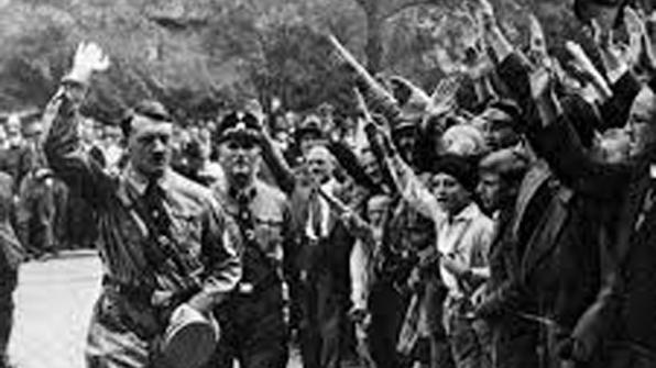 [특파원 리포트] 잊을만 하면 되살아나는 '히틀러 경례'