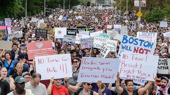 보스턴서 대규모 인종차별 반대 집회 열려