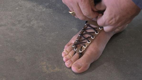 '맨발 걷기'의 놀라운 효과?