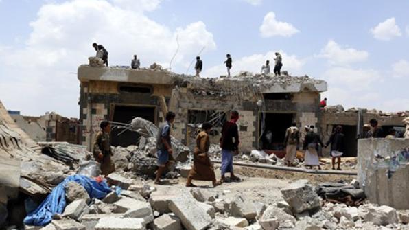 """""""사우디 예멘 모텔 공습으로 60명 폭사"""""""