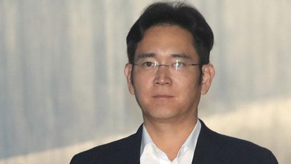 [속보] 이재용 삼성전자 부회장 징역 5년 선고