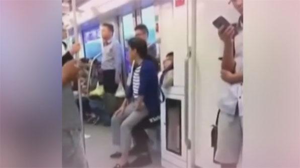 [고현장] 지하철 자리다툼, 아주머니의 응징법