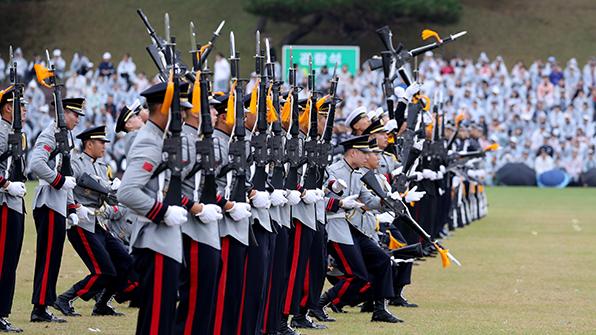 국군의날 행사 창군 최초로 해군기지서 개최…전략무기도 공개