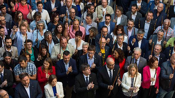 스페인 검찰 소환장 받은 카탈루냐 자치단체장들 '불복종' 결의