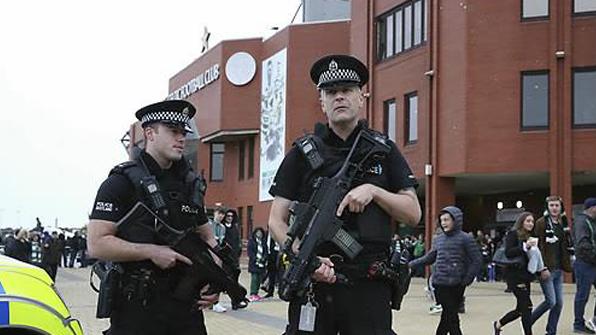 英, 테러경보 등급 최고단계에서 한단계 낮춰