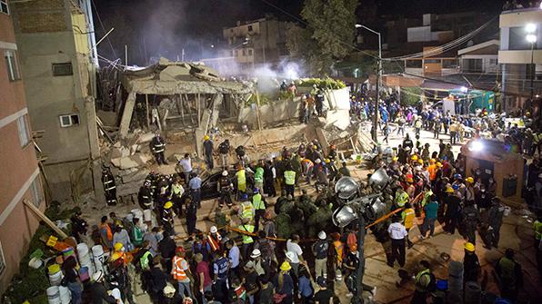 멕시코 강진에 216명 사망…초등학교 붕괴로 학생들도 참사