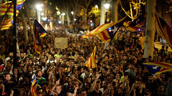 스페인 헌재, 독립투표 추진 카탈루냐 관료들에 과징금 '폭탄'