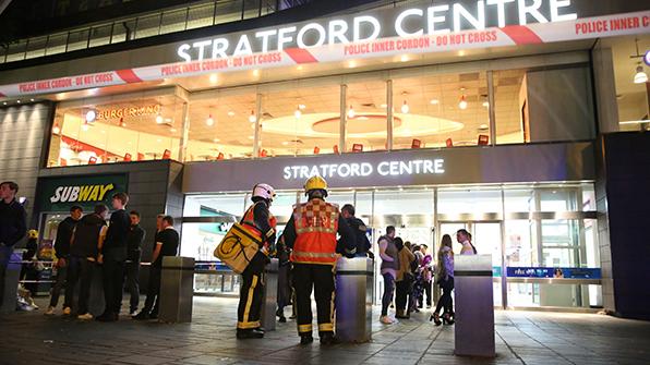런던 쇼핑센터 독극물 분사 난동에 6명 부상