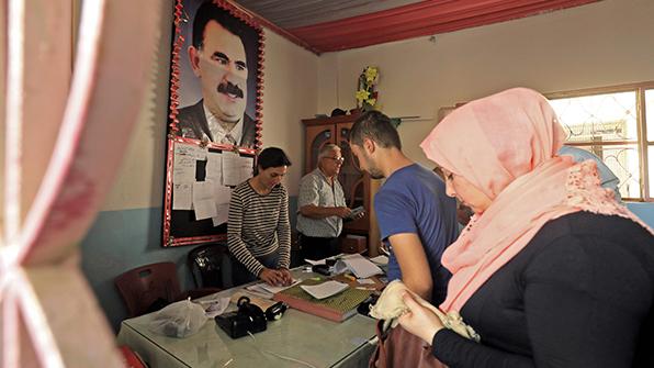 """시리아정부 """"쿠르드와 자치권 협상 용의"""" 첫 공개 언급"""