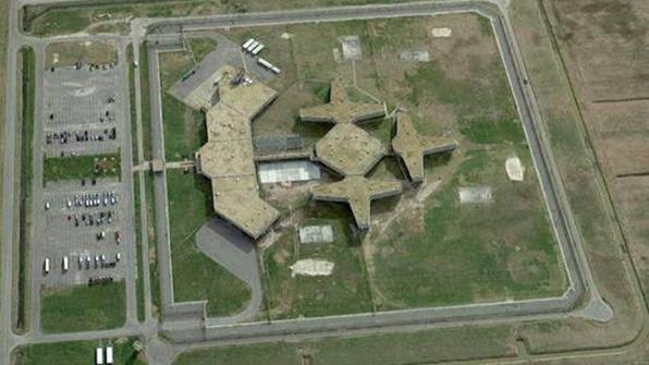 美 교도소서 집단탈옥 시도…작업장에 불나고 9명 부상