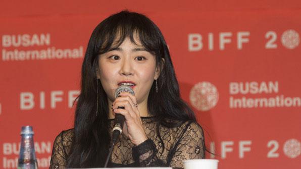 [BIFF2017] 부산영화제, '유리정원'으로 막을 열다